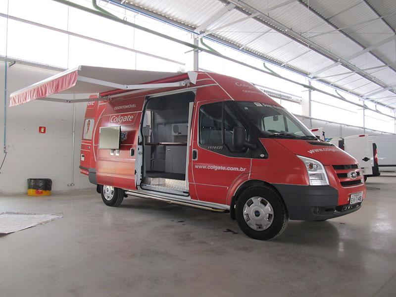 A Eco X transformou o Furgão Ford Transit para a Colgate