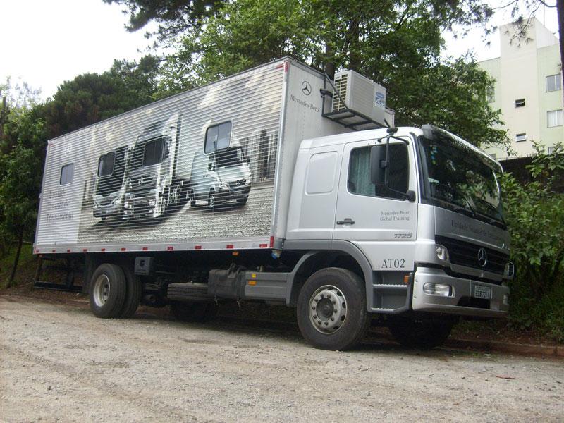 A Eco X transformou o Caminhão Baú para a Mercedes-Benz