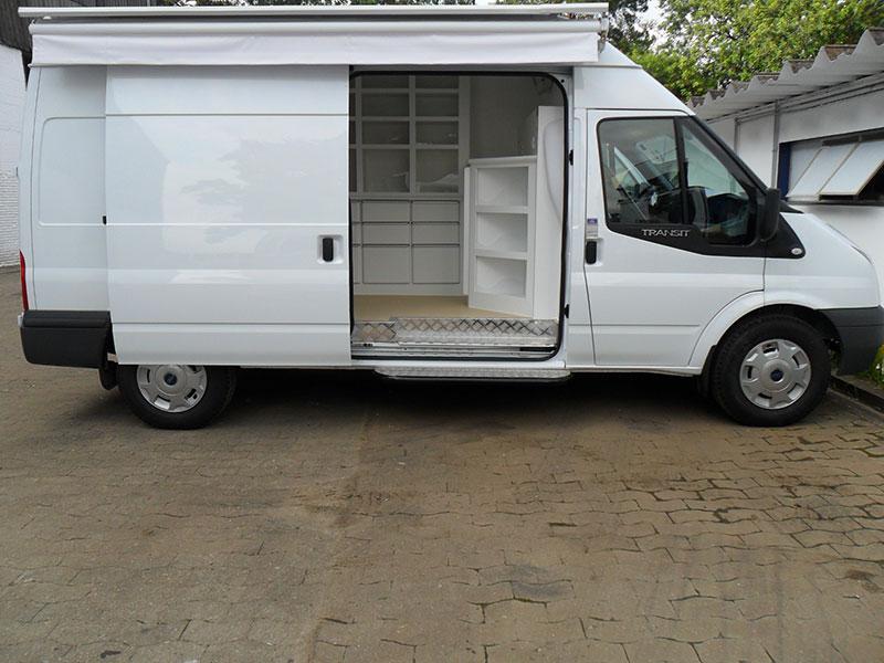 A Eco X transformou o veículo Ford Transit para a Mathias Saraiva
