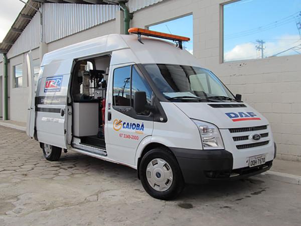 A Eco X transformou o veículo Ford Transit em unidade móvel para Caiobá Trucks